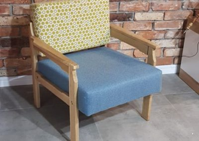 fotel cegła