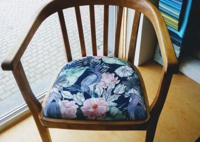 krzesło kwiaty